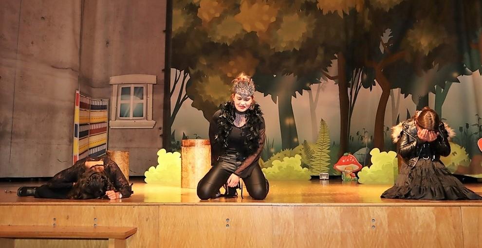 Tosender Applaus beim ersten Theaterabend der Realschule Rheinmünster