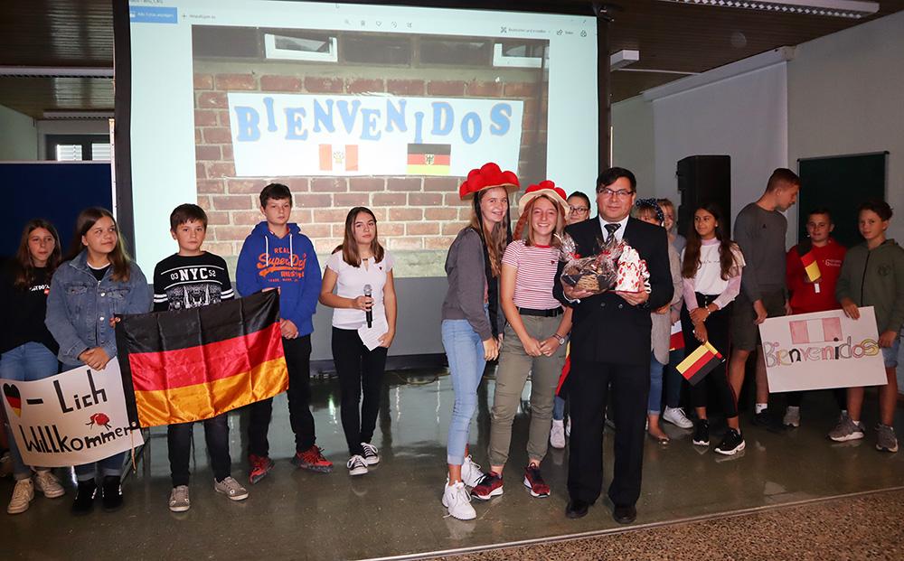 Schulpartnerschaft wächst und gedeiht: Realschule Rheinmünster bereitet Schulleiter der peruanischen Partnerschule herzlichen Empfang